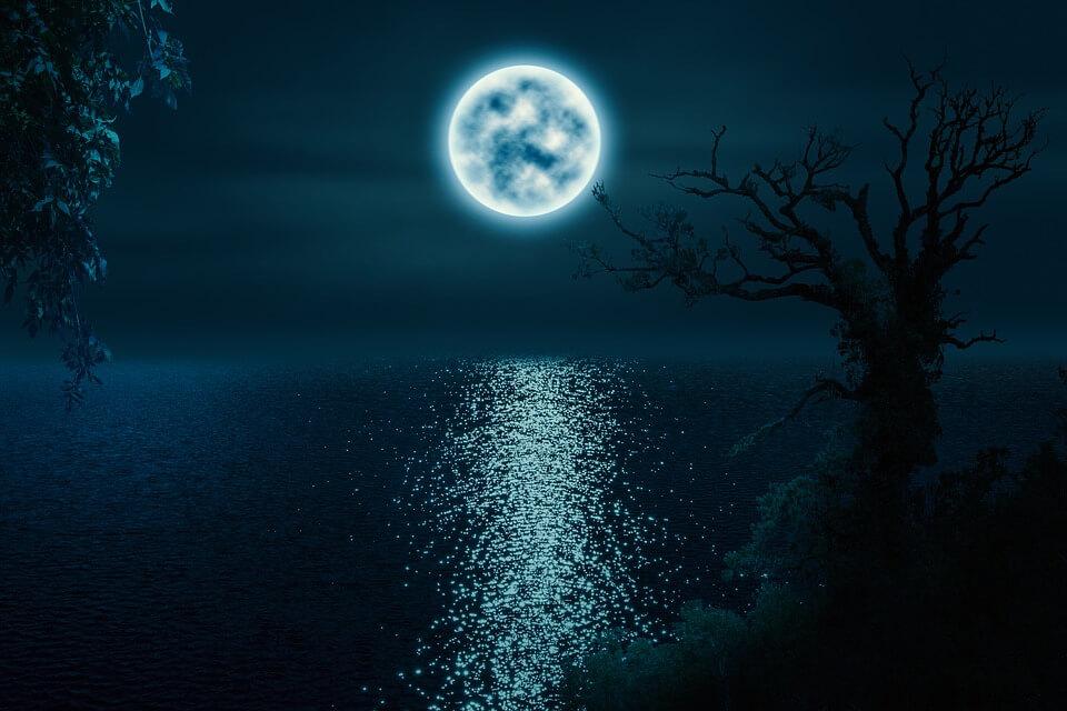 Comment la pleine lune affecte-t-elle le sommeil