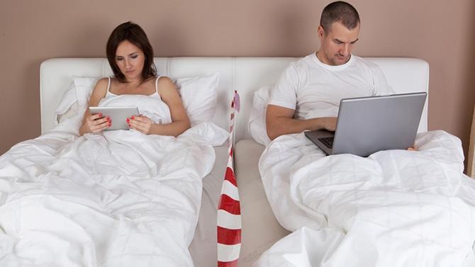 Dormir ensemble peut être un cauchemar pour les couples
